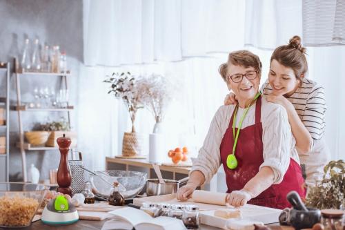 Ouderen vinden om hulp vragen moeilijk, waarom?